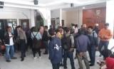 Kantor Dinas Pendidikan Kota Bandung didatangi orangtua murid dan pengunjuk rasa yang mengeluhkan aturan zonasi dalam PPDB, Kamis (12/7).