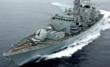 Kapal perang Inggris HMS Montrose mengawal kapal tanker Inggris di Selat Hormuz.