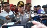 Kapolres Metro Tangerang Kota AKBP Harry Kurniawan saat ditemui di RS Polri Kramat Jati, Jakarta Timur, usai mengecek keadaan korban selamat dalam pembunuhan satu keluarga, Selasa (13/2).