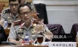Kapolri Jenderal Tito Karnavian saat mengikuti Rapat Kerja dengan Komisi III DPR di Kompleks Parlemen Senayan, Jakarta, Senin (5/12)