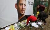 Karangan bunga untuk Emiliano Sala.