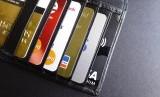 Pembekuan pinjaman dan kartu kredit akan dibekukan selama tiga bulan (Foto: ilustrasi kartu kredit)