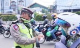 Kegiatan razia Kepolisian Resort kota Depok di Jalan Margonda Raya.