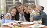 Keluarga harmonis/ilustrasi