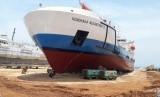Kementerian Perhubungan telah memesan 100 unit kapal pendukung tol laut yang berjenis kapal perintis, kontainer, ternak dan rede untuk melayani  transportasi laut di Indonesia.