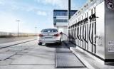 Kendaraan isi bahan bakar. Ilustrasi