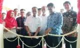 Kepala Badan Ketahanan Pangan Kementan Agung Hendriadi dan Gubernur Sumatra Barat Irwan Prayitno meresmikan TTIC