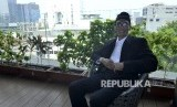 Kepala Badan Penyelenggara Jaminan Produk Halal (PBJPH) Prof. Sukoso memberikan paparan saat wawancara di salah satu hotel, Jalan Wahid Hasyim, Jakarta, Selasa (8/8).