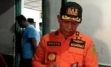 Kepala Basarnas Yogyakarta Wahyu Efendi saat melakukan pencarian 257 pelajar SMPN I Turi yang hanyut di Sungai Sempor, Sleman.