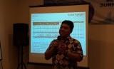 Kepala Departemen Komunikasi Perusahaan PT Semen Indonesia Tbk Sigit Wahono