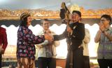 Kepala Divisi Bogasari Franky Welirang bersama dalang Ki Manteb Sudarsono di acara Nonton Wayang Bareng Bogasari yang digelar 2018 lalu.