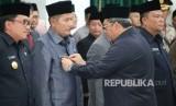 Kepala Kesbangpol Provinsi Jawa Barat, R Ruddy Gandakusumah dilantik menjadi Penjabat Sementara Wali Kota Bekasi, Rabu (14/2).