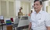 Menteri Koordinator Bidang Kemaritiman Luhut Binsar Pandjaitan berjalan meninggalkan Kantor Kepresidenan usai diterima Presiden Jokowi (ilustrasi)