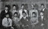 Keterangan Foto: Abdul Kahar Muzakkir (duduk, kedua dari kiri) melakukan  diplomasi pengakuan kemerdekaan di Mesir.