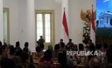 Ketua Dewan Kehormatan ICMI, BJ Habibie memberikan sambutan dalam Silaknas ICMI, di Istana Kepresidenan, Jumat (8/12).