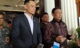 KetuaKogasmaPartai Demokrat, Agus Harimurti Yudhoyono (AHY), menemui Menteri Koordinator Bidang Politik, Hukum, dan Keamanan, Wiranto, di Kantor Kemenko Polhukam, Gambir, Jakarta Pusat, Jumat (22/3).