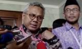 Ketua Komisi Pemilihan Umum (KPU), Arief Budiman (Kiri)