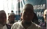 Ketua Umum DPP Garda 212 Ustadz Ansufri Idrus Sambo saat konferensi pers pernyataan sikap, terkait ungkapan La Nyalla yang tidak didukung Gerindra, pada Sabtu (13/1) di Kemang, Jakarta Selatan.