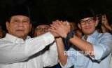 Ketua Umum Partai Gerindra Prabowo Subianto (kiri) didampingi Sandiaga Uno.