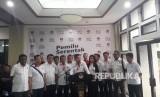 Ketua Umum Partai Perindo memberikan keterangan pers usai mendaftarkan bakal calon anggota legislatif di Kantor KPU, Selasa (17/7).