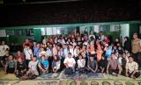 Komunitas 1.000 Guru Jogja, Sedekah Kreatif Edukatif (SKE) dan Double Cabin (Dcab) Yogyakarta berbagi dan gayeng bersama siswa-siswi di pedalaman Gunung Kidul. Rabu (16/5).