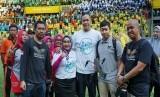 Komunitas aerial drone dan racing (KALONG) chapter Bekasi mengabadikan rekor MURI yang dicetak Bekasi