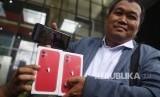 MAKI Minta KPK Terbitkan <em>Red Notice </em>Bagi Harun Masiku
