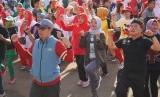 Kota Sukabumi membangkitkan budaya olahraga senam dengan gerakan Minggu Bergerak (Gurak) di Lapang Merdeka, Kota Sukabumi, Ahad (19/1).