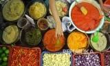 Kuliner Indonesia yang kaya rasa membutuhkan banyak bumbu sebagai bahan dasarnya.