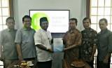 Lembaga Amil Zakat Nasional (Laznas) Inisiatif Zakat Indonesia (IZI) meraih opini