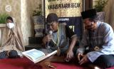 Lomba membaca Alquran khusus untuk penarik becak di Kota Pekalongan.