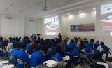 Mahasiswa Prodi SIA UBSI Kampus Bogor saat mengikuti seminar  pentingnya Sertifikasi Kompetensi dengan tema 'Peningkatan Kualifikasi & Pengakuan Kompetensi SDM Dalam Dunia Kerja' di Fakultas Teknologi Informasi (FTI) UBSI Bogor, Senin (28/10) lalu.