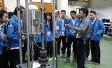Mahasiswa Prodi Teknik Komputer AMIK BSI Jakarta melihat fasilitas yang dimiliki oleh BATAN.