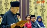 Mahatir Mohammad mengucapkan sumpah sebagai Perdana Mentri Malaysia, (10/5). (ilustrasi)