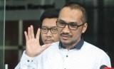 Mantan Ketua KPK Abraham Samad bersama Koalisi Masyarakat Sipil memberi keterangan kepada wartawan usai melakukan pertemuan dengan pimpinan KPK di Jakarta, Jumat (3/5/2019).