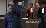 Mantan Panitera Pengadilan Negeri Jakarta Utara Rohadi usai menjalani sidang putusan di Pengadilan Tipikor, Jakarta, Kamis (8/12).