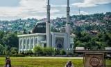 Masjid Istiqlal (Masjid Soeharto) di Srajevo.