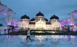 Majelis Permusyawaratan Ulama mendukung penuh syariat Islam di Aceh. Masjid Raya Baiturrahman, Banda Aceh.