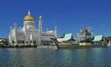 Perkembangan Aswaja di Asia Tenggara. Foto: Masjid Sultan Omar Ali Saifuddin di Bandar Seri Begawan, Brunei Darussalam.