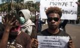 Polwan yang Beri Minuman Keras ke Mahasiswa Papua Dicopot