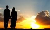 Rasulullah SAW berpesan kepada suami untuk berbuat baik kepada istri. Menikah/ilustrasi