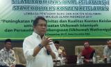 Menkominfo Rudiantara sedang memberikan materi tentang konten sosmed pada acara Silatnas I Stakeholders Konten Keislaman yang diselenggarakan LPBKI MUI, Jumat (8/12) di Jakarta.