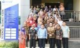 Menristek/Ka BRIN), Prof Bambang PS Brojonegoro berfoto bersama dengan jajaran pimpinan IPB University.