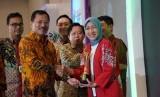 Menteri kesehatan, Terawan Agus Putranto pada acara Penganugerahan Tenaga Kesehatan Teladan di Puskesmas Tingkat Nasional tahun 2019. Sebanyak 140 tenaga kesehatan teladan dari 29 provinsi mendapat penghargaan dari Kemenkes di ICE BSD, Serpong, Banten, Sabtu (9/11).