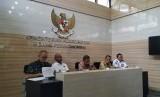 Menteri Koordinator Bidang Perekonomian Darmin Nasution dalam  Konferensi Pers tentang Hasil Rakor Persiapan Ramadan dan Lebaran 2019 di Kantor Kemenko Perekonomian, Jakarta, Kamis (22/4).