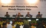 Menteri Koperasi dan UKM Puspayoga memberikan paparan Capaian Kementerian Koperasi dan UKM dalam 4 Tahun Kerja Pemerintahan Joko Widodo - Jusuf Kalla