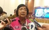 Menteri Lingkungan Hidup dan Kehutanan (LHK) Siti Nurbaya Bakarsaat diwawancari wartawan di Hotel Sahid Yogyakarta, Sabtu (29/2).