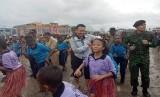 Menteri Pemuda dan Olahraga (Menpora) Imam Nahrawi tarian 'seka' di Mimika Papua