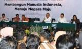 Menteri PUPR Basuki Hadimuljono dalam Jumpa Pers  4 Tahun Kerja Pemerintahan Joko Widodo-Jusuf Kalla yang turut dihadiri sejumlah menteri di Jakarta, Selasa (23/10).