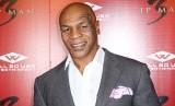 Mike Tyson mengaku tergantung sama istri dalam hidup sehari-hari. Mike Tyson